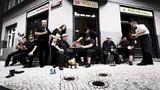 Sto zvířat v Lucerna Music Baru