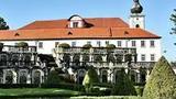 Treperendy na nádvoří zámku Zákupy k zakončení Císařských slavností