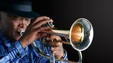 Začátek týdne na Strunách podzimu ovládnou jazzmani Hugh Masekela, Brad Mehldau a mandolínista Chris Thile
