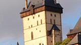 Navštivte hrad Karlštejn s velkou věží a kaplí sv. Kříže