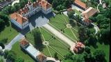 Zámek Mnichovo Hradiště skrývá drahocenný soubor delfské fajánse i orientální porcelán