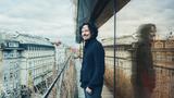 Peter Aristone představuje píseň Missing The Moments - první singl z chystaného alba, a těší se na jarní turné po českých městech