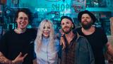 Giudi a Mejla z Vypsané Fixy vydávají společný singl Sleeping Boy