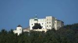Hrad Buchlov - královský hrad stojící na jednom z nejvyšších vrcholků Chřibů