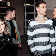 Irský indie fenomén Walking On Cars na prvním koncertě v Praze