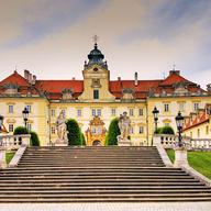NOC NA KARLŠTEJNĚ na nádvoří zámku Valtice