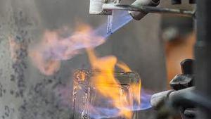 Sklárny ve Světlé nad Sázavou opět nabídnou pohled do výroby i výprodej skla