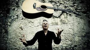 Kytarový mág Tommy Emmanuel se v dubnu vrací do Prahy