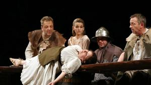 Tvrz - komedie husitská - Divadlo Dobeška