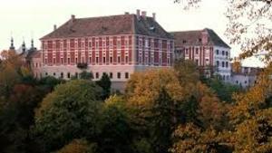 Hospodářské dvory v krajině