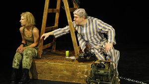 A na hrušce sedí diktátor - Bránické divadlo