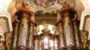 Stavitelé chrámů / Builders of Cathedrals