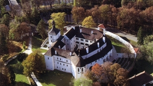 Letní zámecký bál na nádvoří zámku Březnice