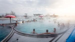 S podzimem zábava nekončí. V Aqualandu Moravia si užijete horké bazény, víkendové animace, ale i výhodné vstupné a dopravu