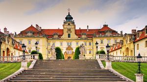 Lidová operetka Na tý louce zelený v divadle zámku Valtice