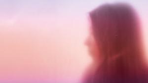 Americana britské písničkářky Jade Bird dobývá svět a nemine ani Prahu