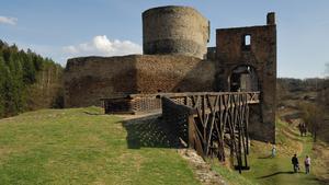 Jak Jíra z Roztok si hrad Krakovec vystavět nechal, a přitom peklo s nebem o jeho duši bojovalo