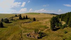 Zaniklá osada Königsmühle ožije landartovým festivalem. Vystoupí i kapela Zrní