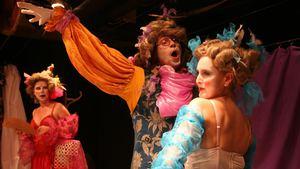 Molière: Směšné preciózky - Divadlo Orfeus