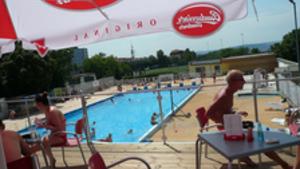 Koupání v Praze 2016 - venkovní bazén Pražačka