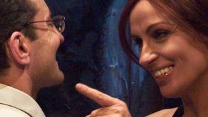 Maska a tvář - bonmotická a aforistická salonní komedie banální ženské nevěry