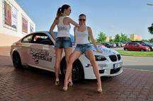 Sexy tanečnice, racing simulátory a nebezpečně rychlá auta uvedou premiéru Rychle a zběsile 7