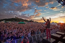 Festival Hrady CZ nabídne kromě špičky tuzemského popu a rocku i mladé hudebníky a pohodlnější zázemí