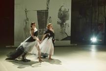 Na únorová představení Amerikánky zvou ve spotu Tereza Ramba, Eliška Křenková, David Novotný a další