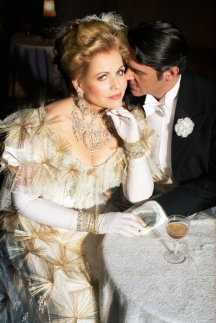 Metropolitní opera odhalila program příští sezony přenosů do kin. Eklektický ročník 2014-15 nabídne divácky vděčné tituly i operní rarity