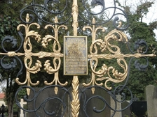 Vyšehradský hřbitov s prohlídkou Slavína