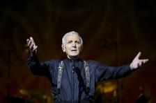 """Charles Aznavour """"encore une fois"""" ještě jednou v ČR!"""