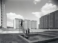 Bydliště: panelové sídliště / Plány, realizace, bydlení 1945–1989