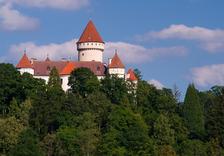 Přehlídka Hradní stráže na nádvoří zámku Konopiště