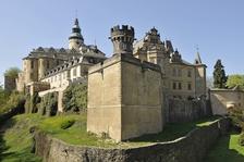 Historická podoba hradu ve vizualizaci a Globicova mapa panství