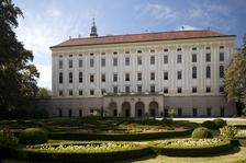 Středy s odborníky - Arcibiskup Theodor Kohn a jeho odkaz v interiérech zámku
