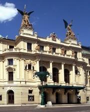 Hodinový hoteliér - Divadlo na Vinohradech