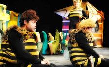 Zimní příhody včelích medvídků - Divadlo Alfa