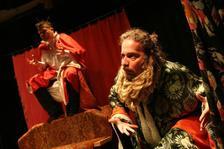 Mopslíkem z lásky - Divadlo Orfeus