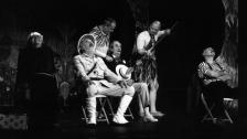 Afrika - Žižkovské divadlo Járy Cimrmana